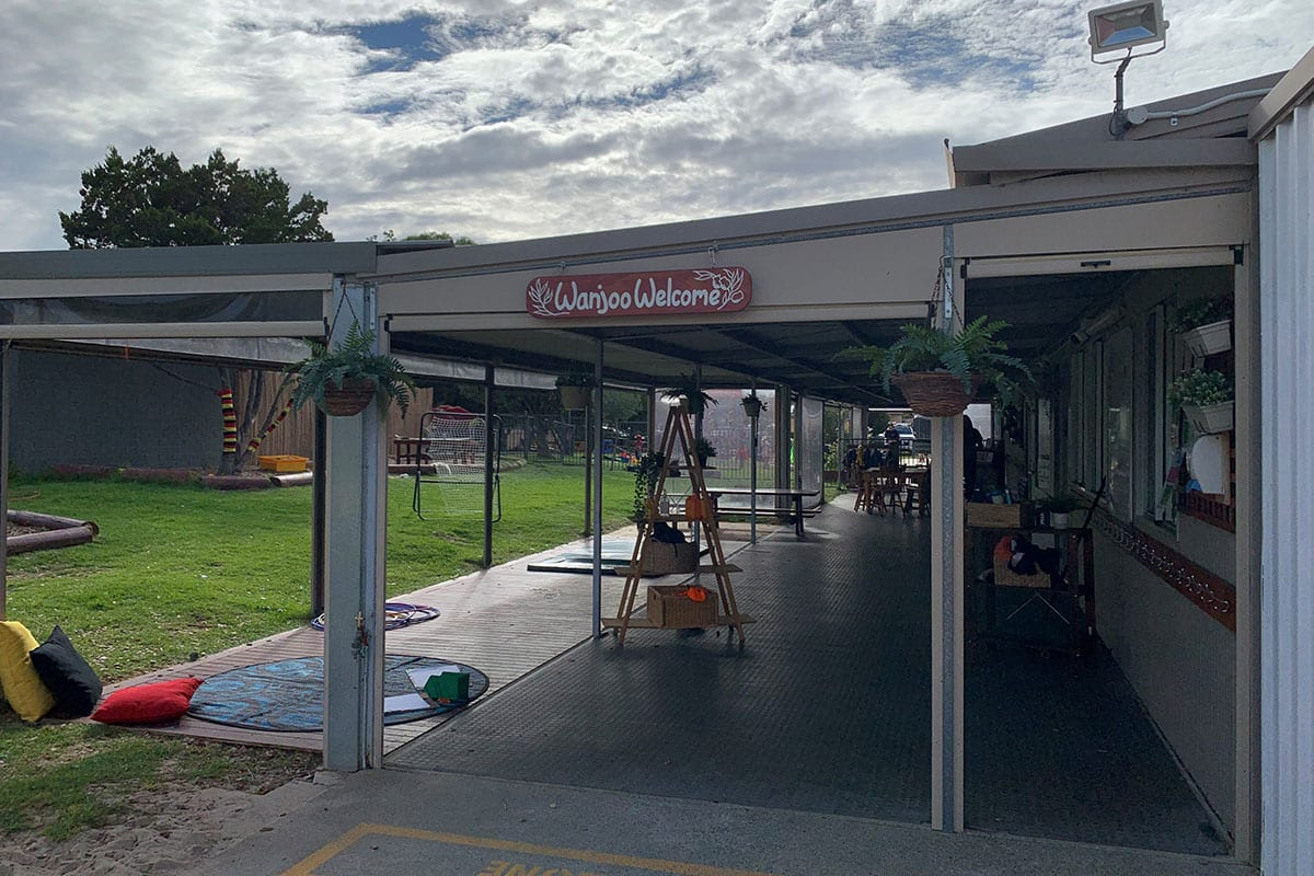 Wanjoo Welcome sign at Keiki Mindarie Primary childcare entry